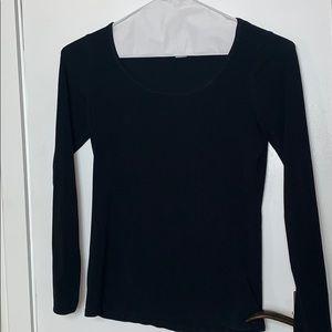 H&M black tee shirt size Sm.